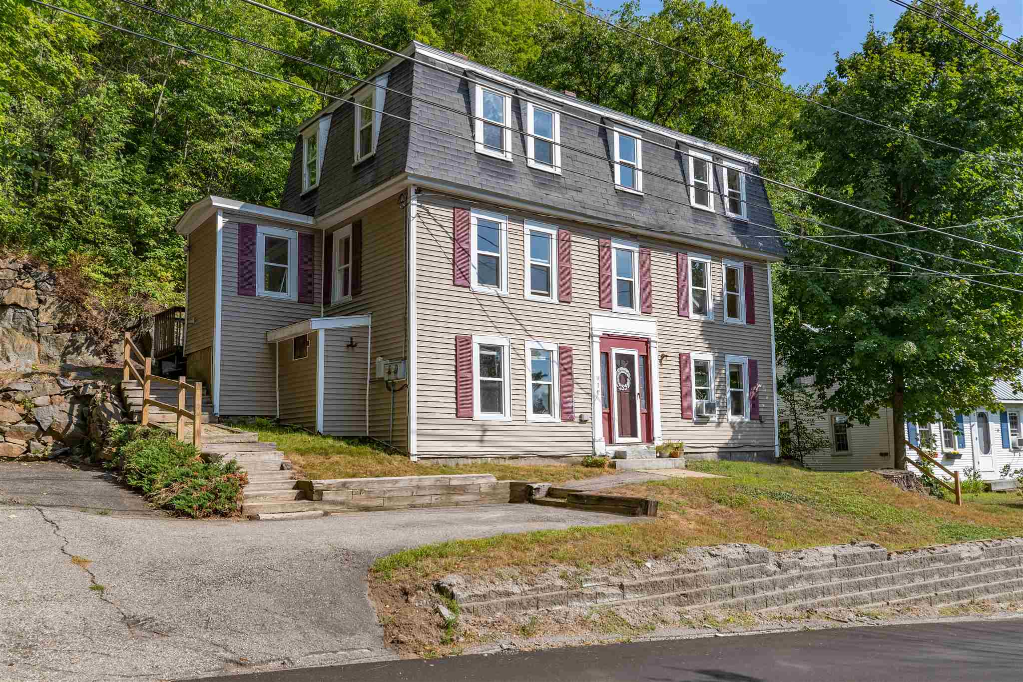 MLS 4826874: 14 Thompson Street, Ashland NH