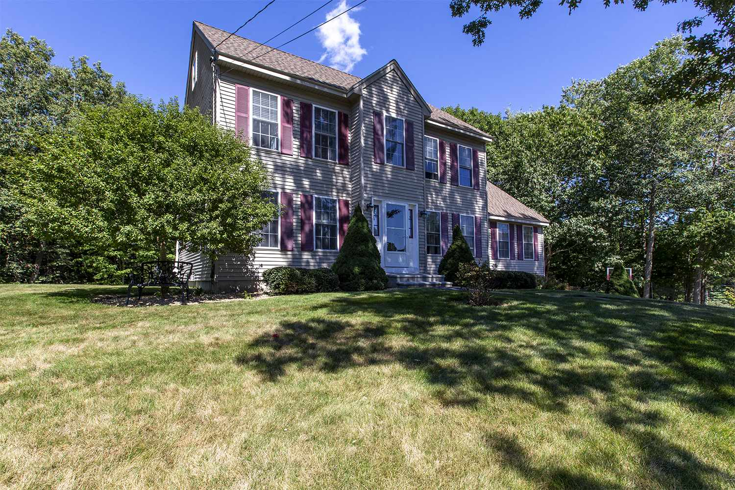 Photo of 2 Winslow Drive Newmarket NH 03857
