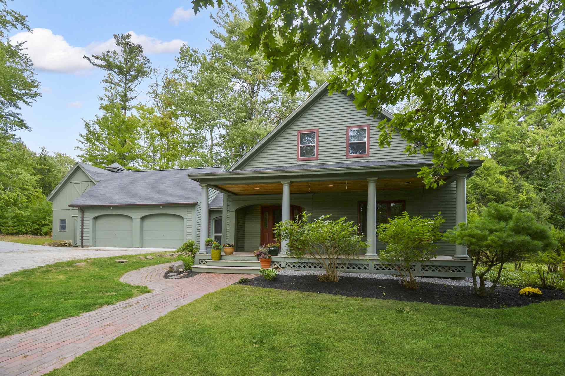 Photo of 210 County Road Bedford NH 03110