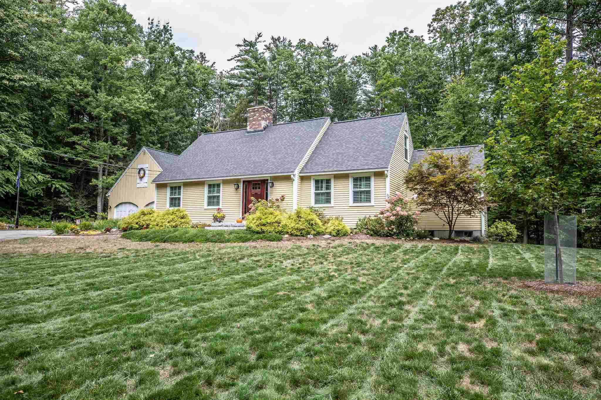 Photo of 20 woodland Drive Amherst NH 03031