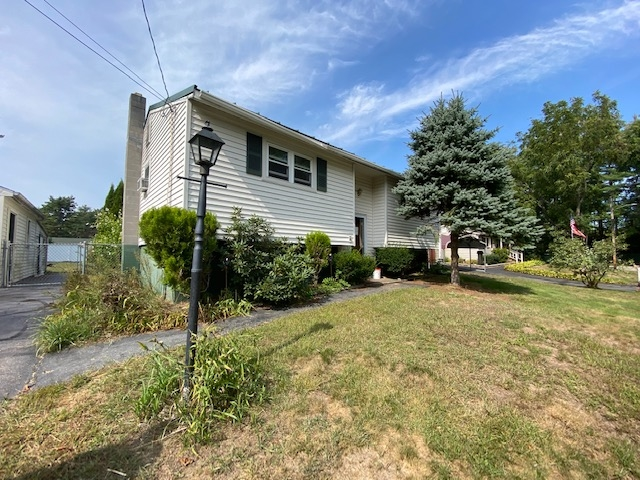 Photo of 32 Riverlawn Avenue Rochester NH 03868