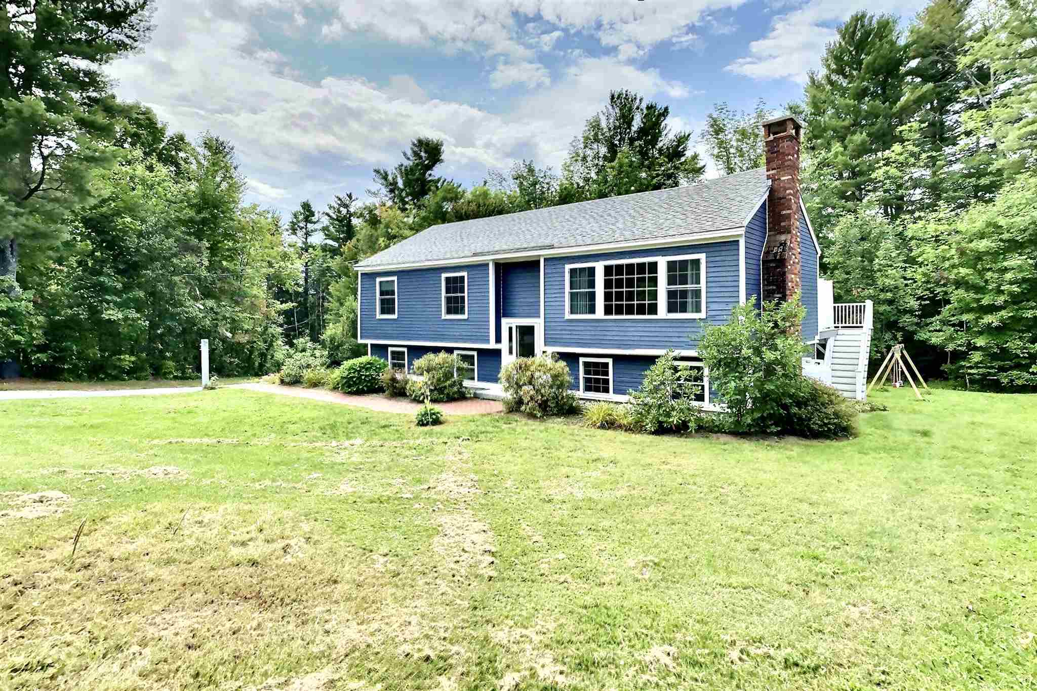 MLS 4828357: 84 Everett Park Road, New London NH