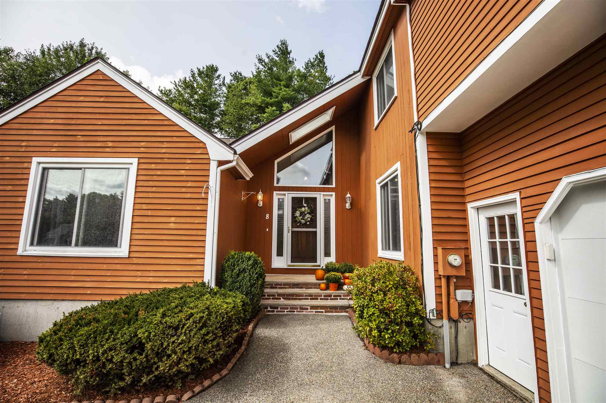 MLS 4828961: 8 Moulton Drive, Londonderry NH