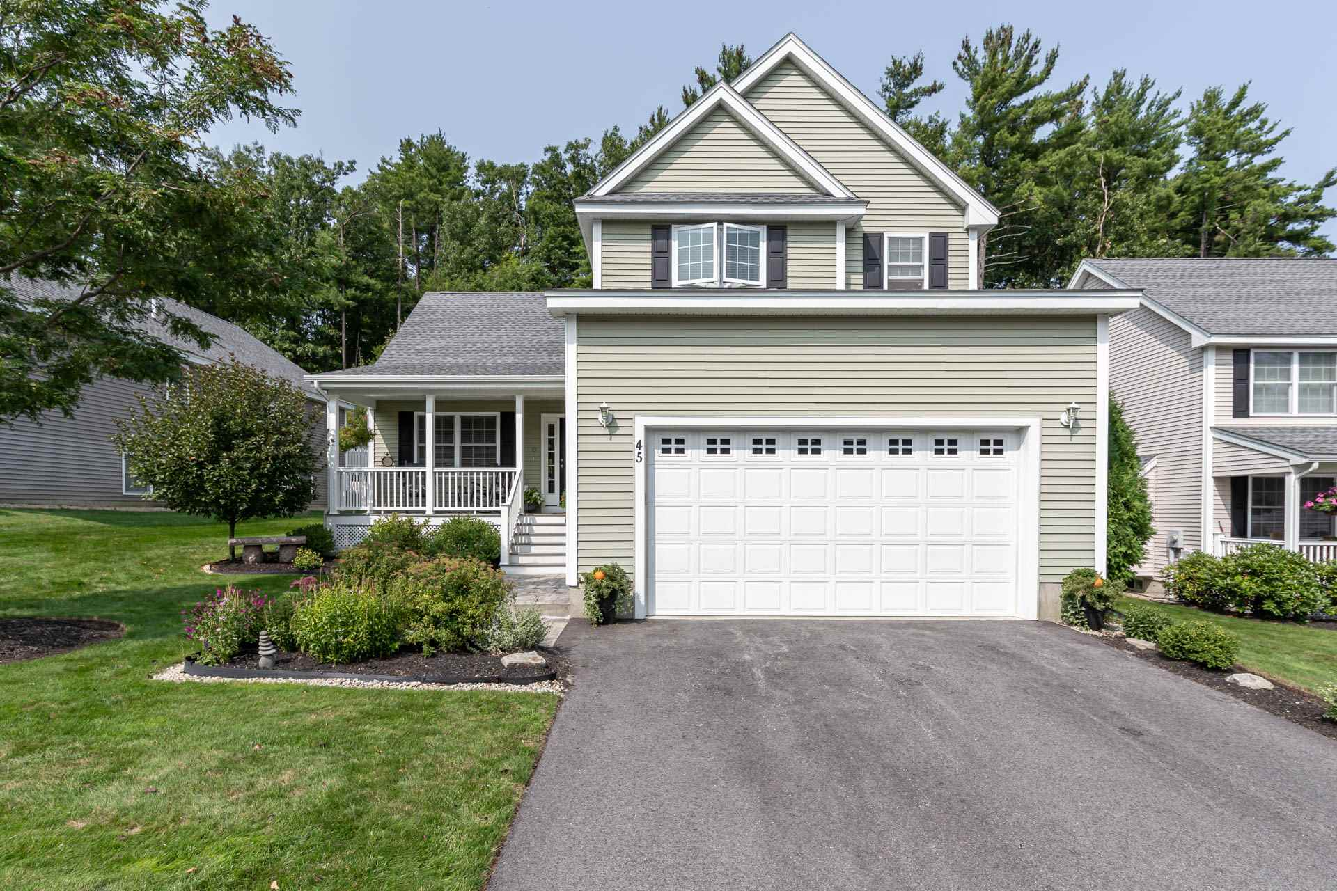 MLS 4829284: 45 Hollow Ridge Drive, Nashua NH