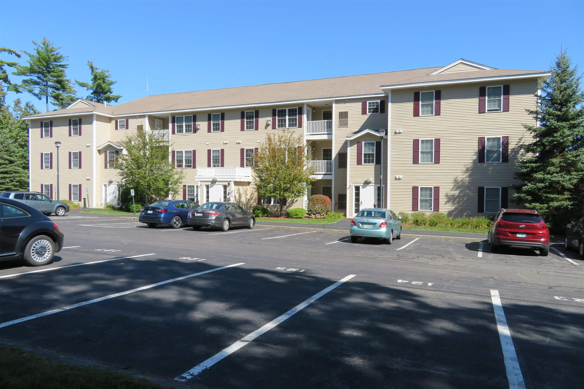 MLS 4829770: 6 Crestview Circle-Unit 137, Londonderry NH