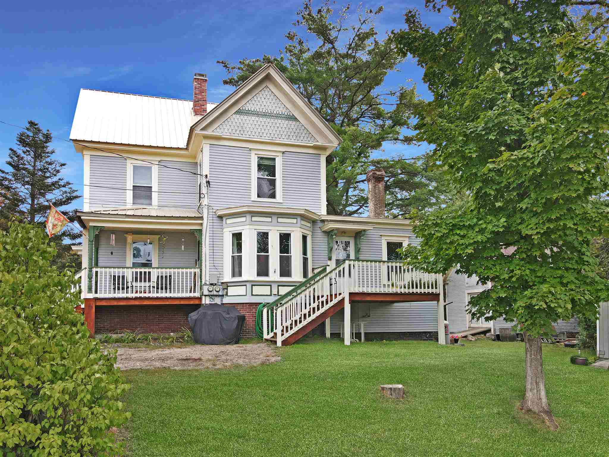 MLS 4829791: 10 Washington Street, Ashland NH