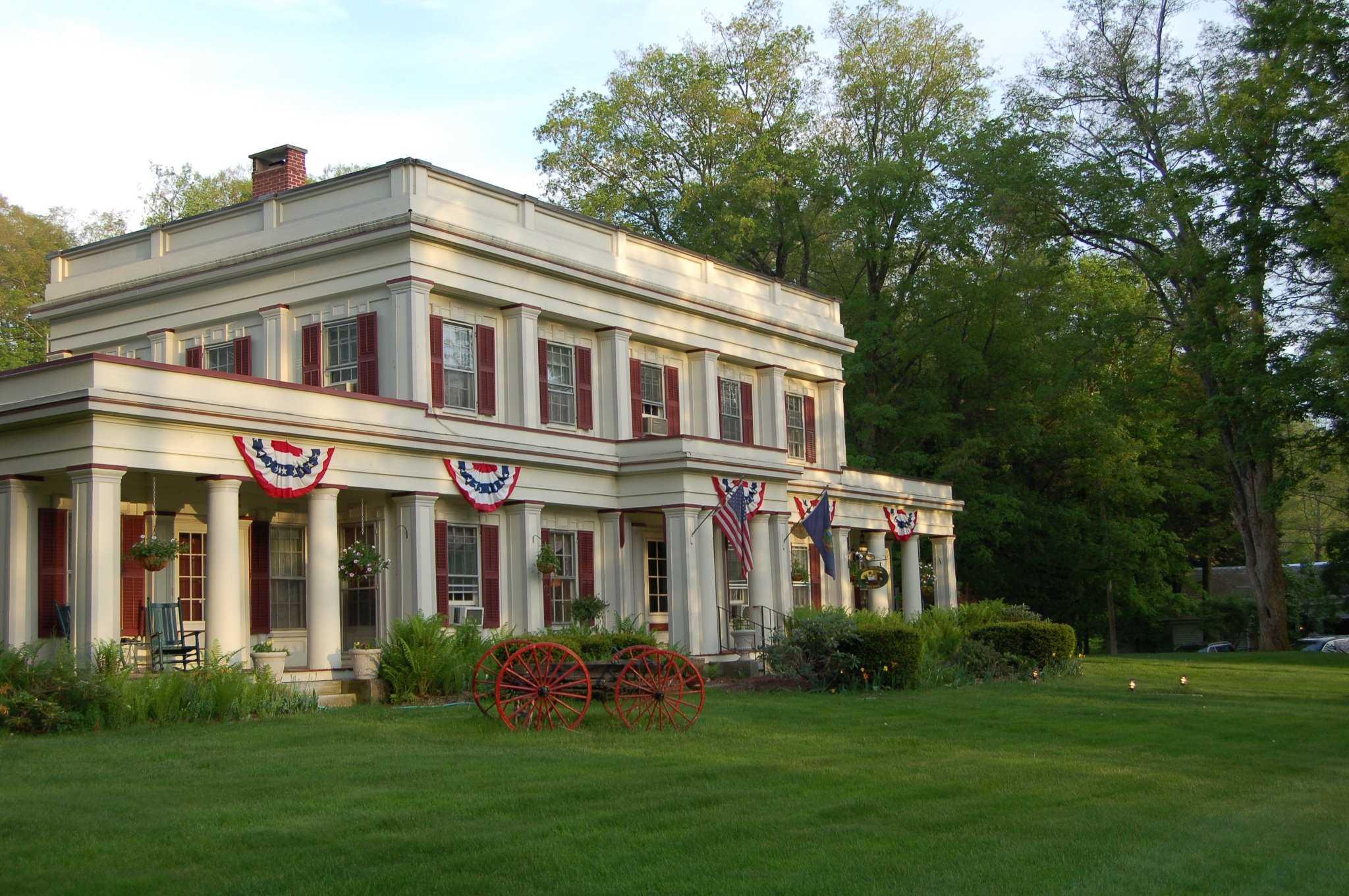 Photo of 3904 & 3888 Vermont Route 7A Arlington VT 05250