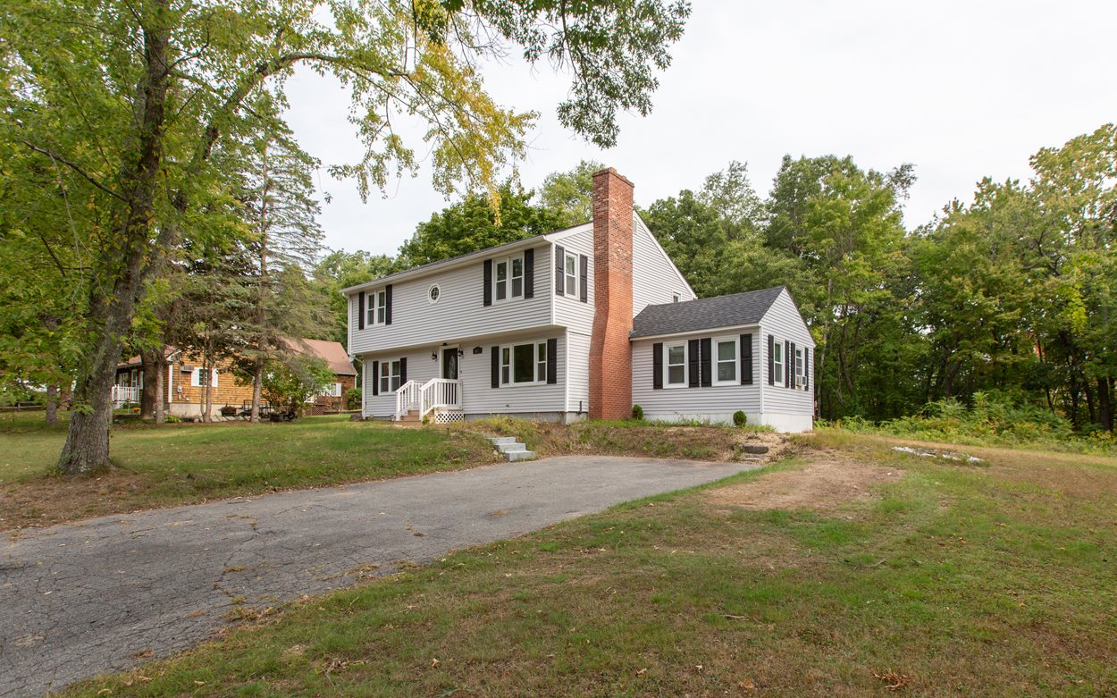 Photo of 69 Old County Road Plaistow NH 03865