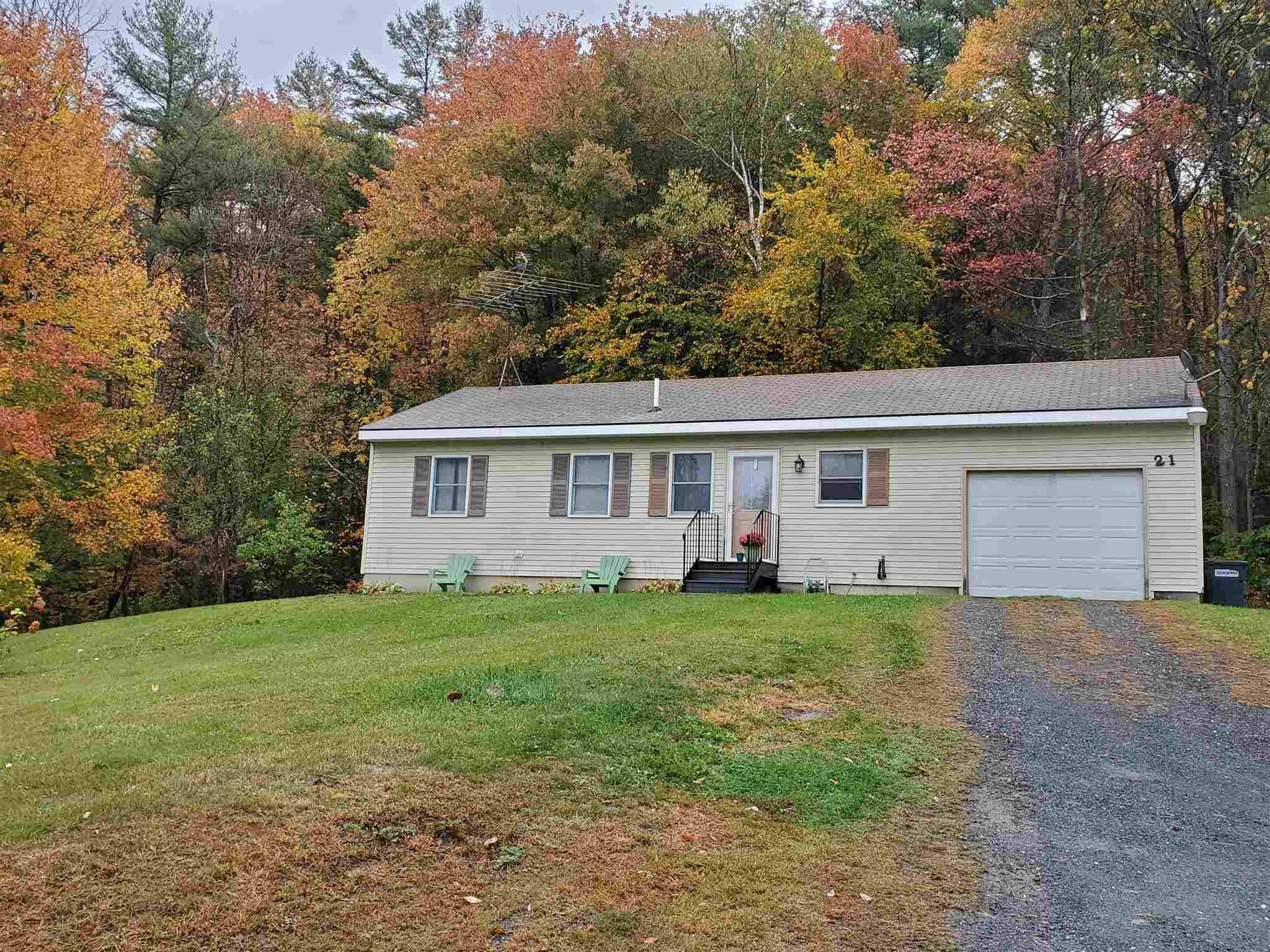 MLS 4832194: 21 Deer Run, Enfield NH