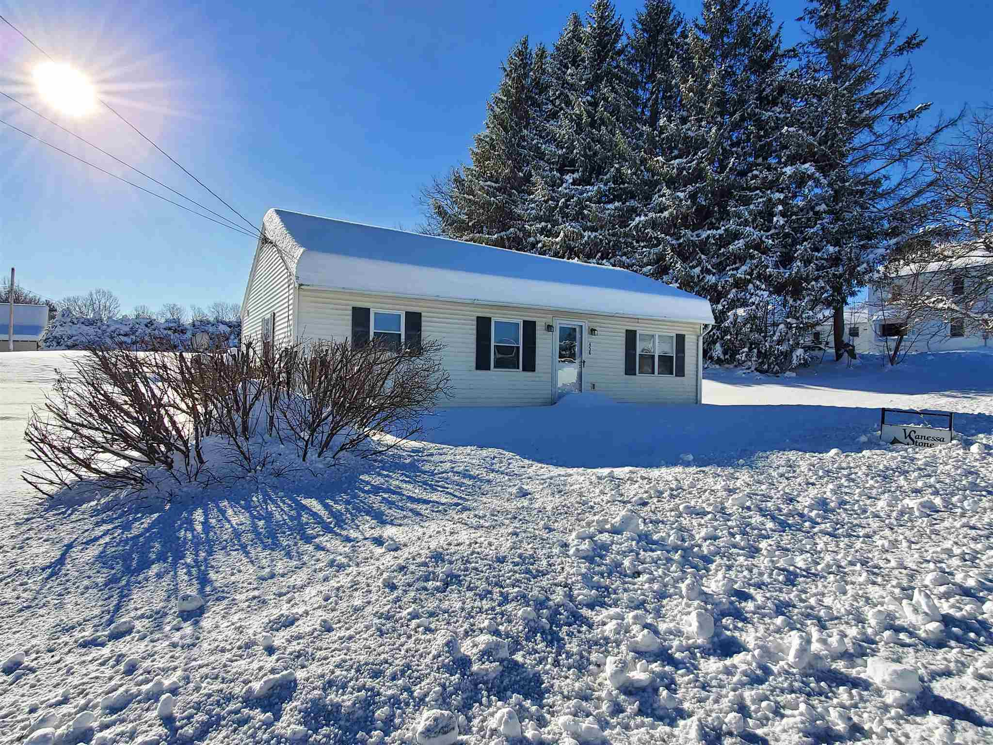 MLS 4833909: 458 US 4 Route, Enfield NH