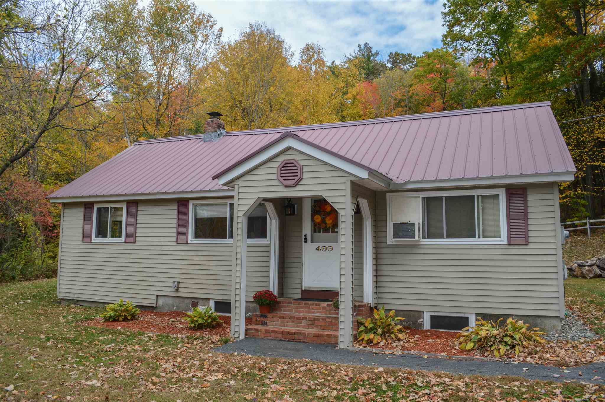Charlestown NH 03603Home for sale $List Price is $195,000
