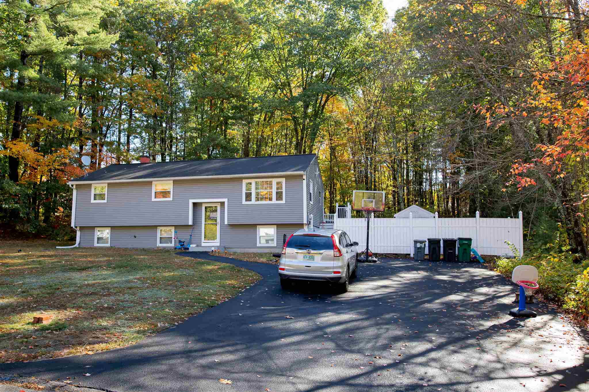MLS 4834426: 37 Waterville Drive, Merrimack NH