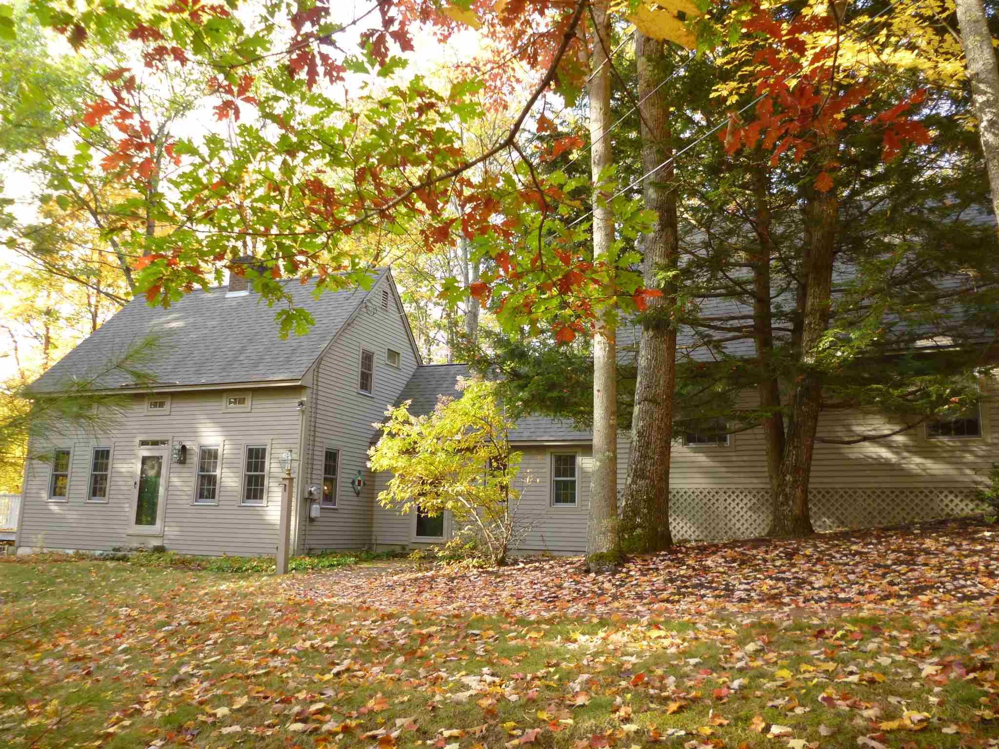 VILLAGE OF MIRROR LAKE IN TOWN OF TUFTONBORO NHHomes for sale