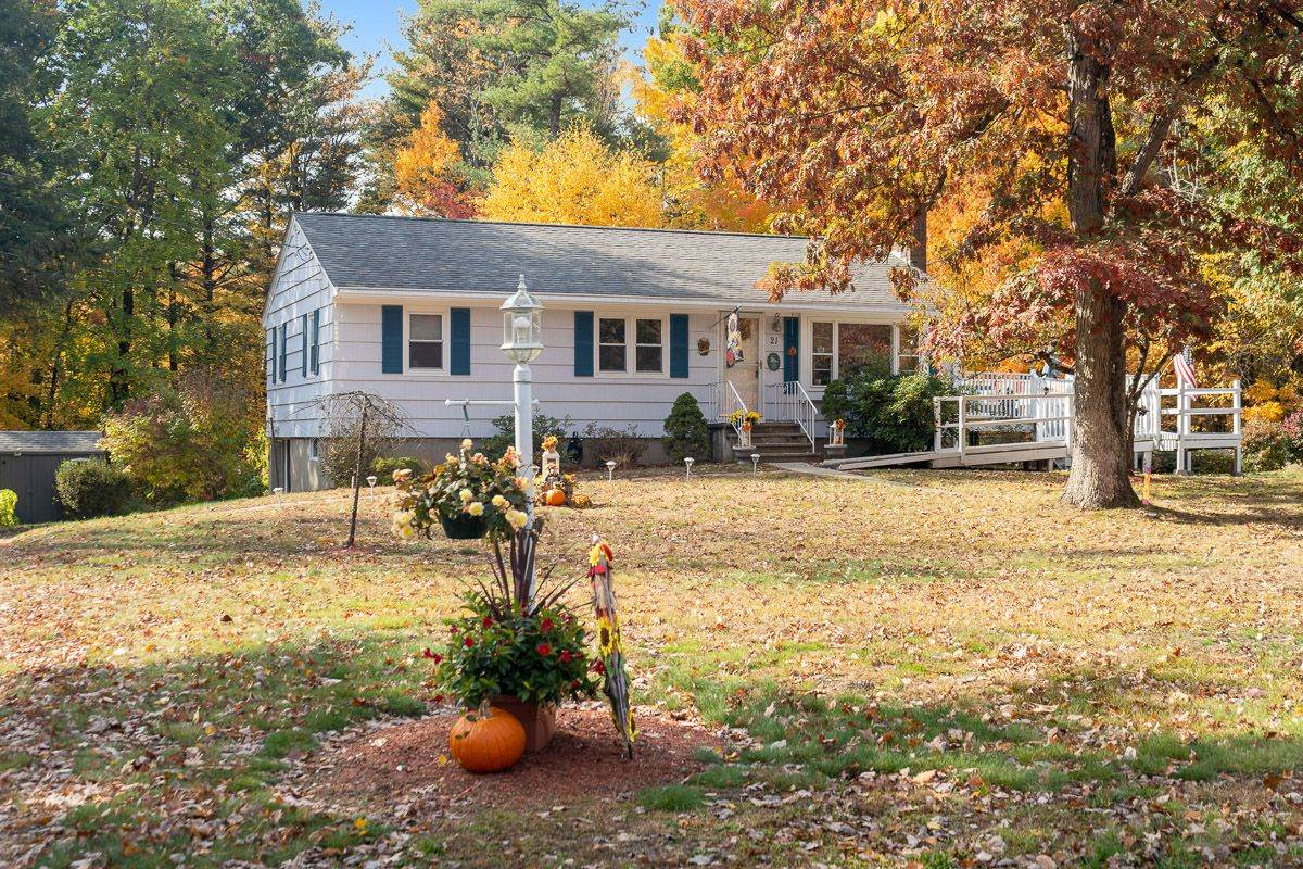 Photo of 21 Woodlawn Avenue Atkinson NH 03811