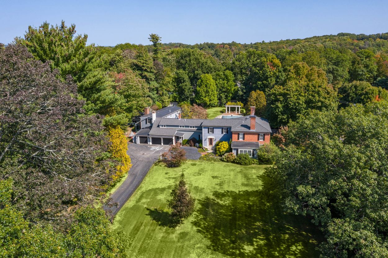 Photo of 83 Stratham Heights Road Stratham NH 03885