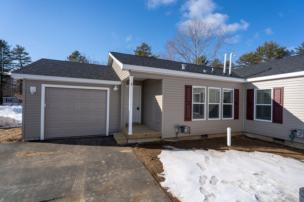 MLS 4839016: 76-B Crescent Street, Plymouth NH