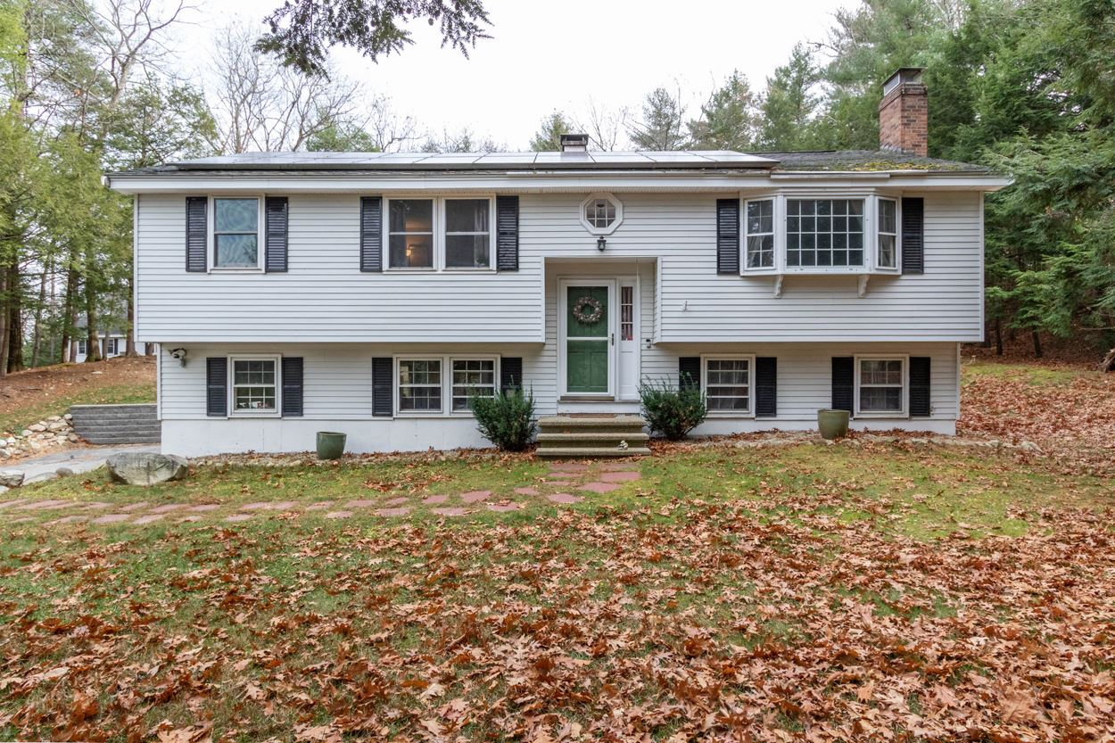 Photo of 19 Sparhawk Drive Londonderry NH 03053