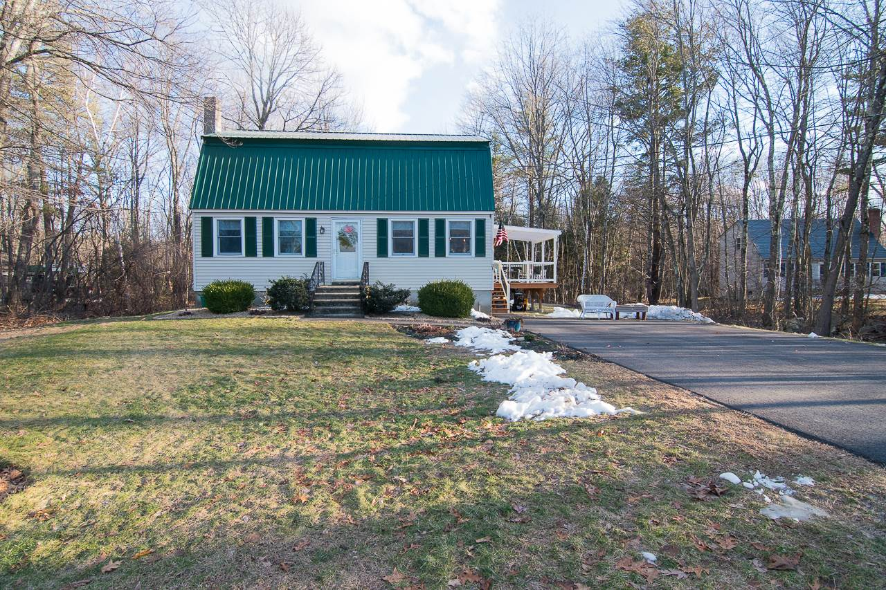 Photo of 31 Pingree Hill Road Derry NH 03038