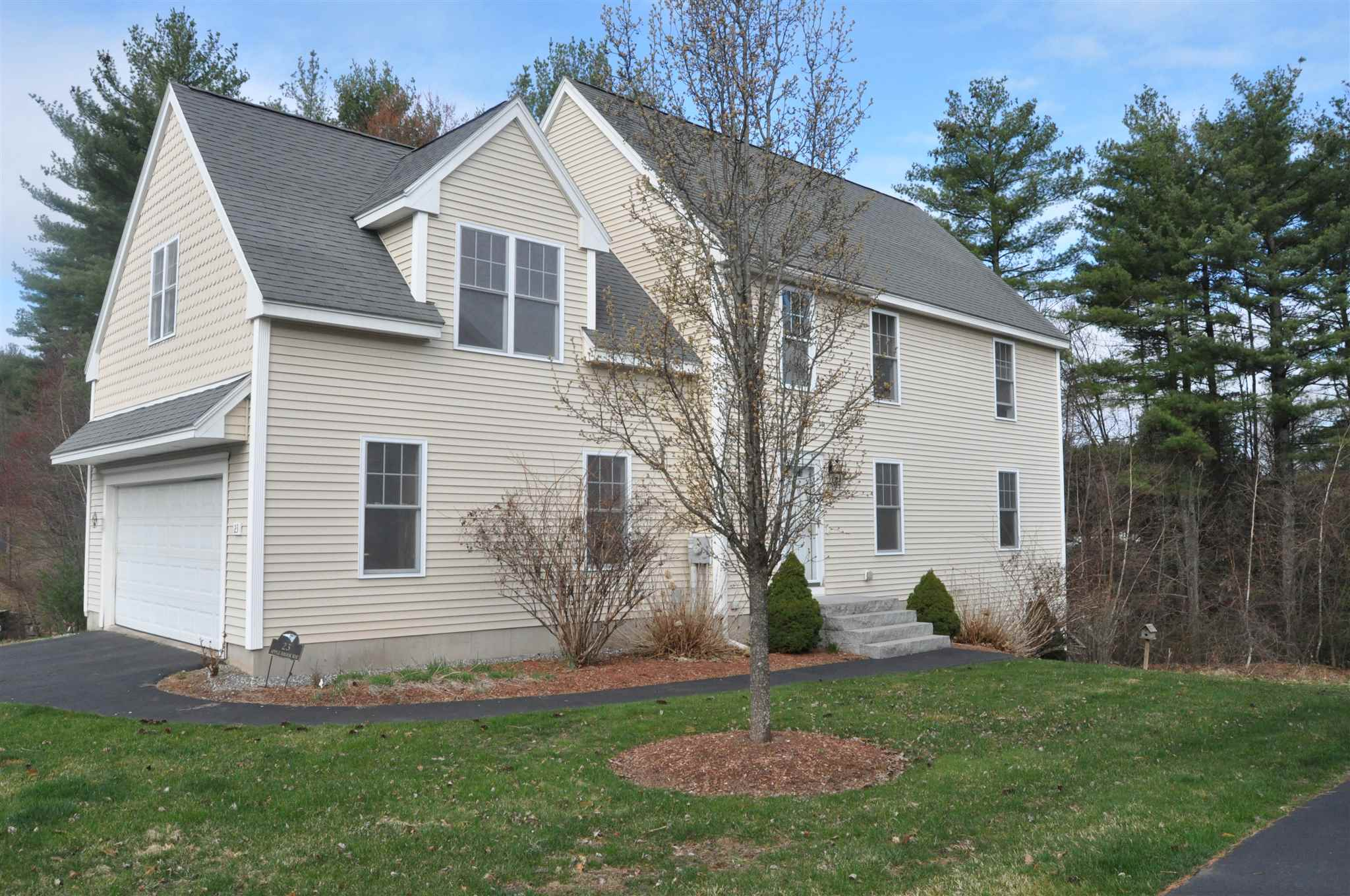 Photo of 23 Apple Brook Way Manchester NH 03109-5141