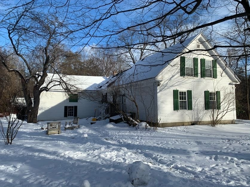 MLS 4843432: 11 First Street, Plymouth NH