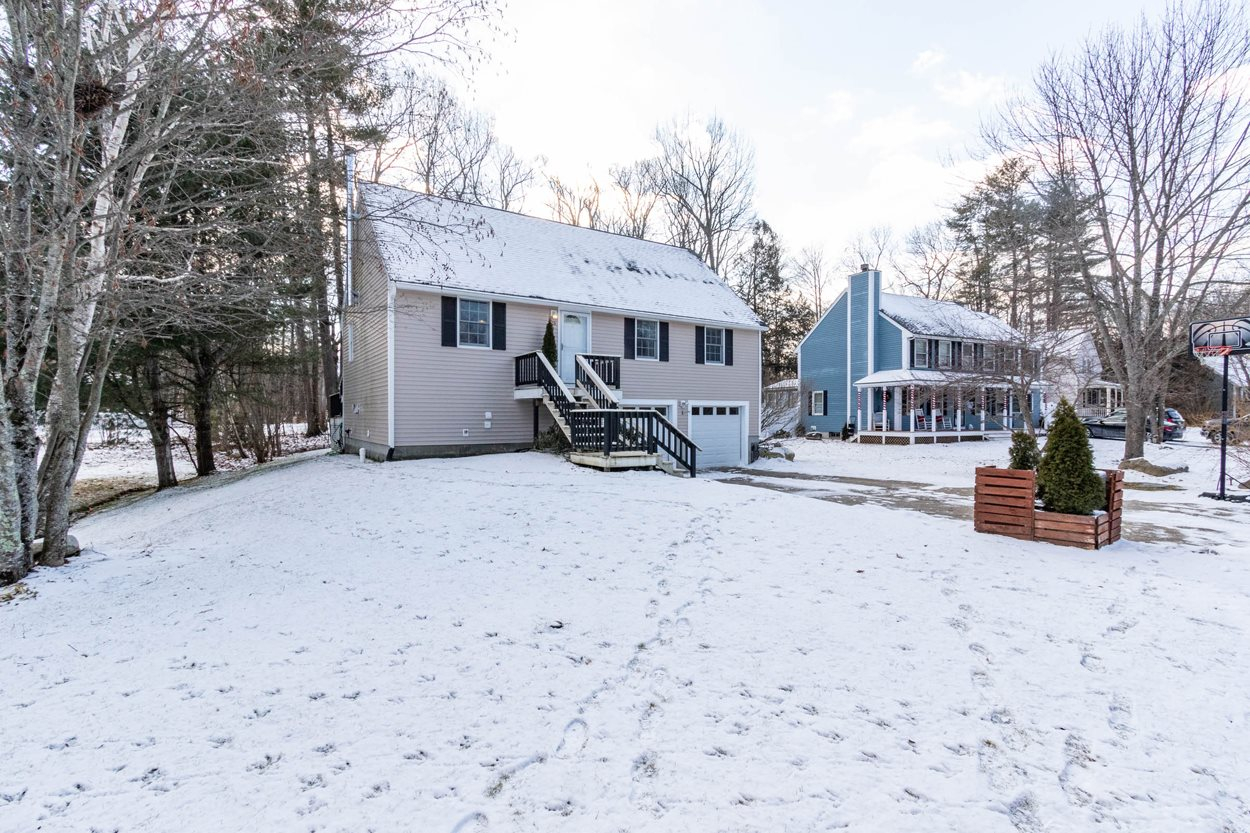 MLS 4845269: 15 Donovan Drive, Derry NH