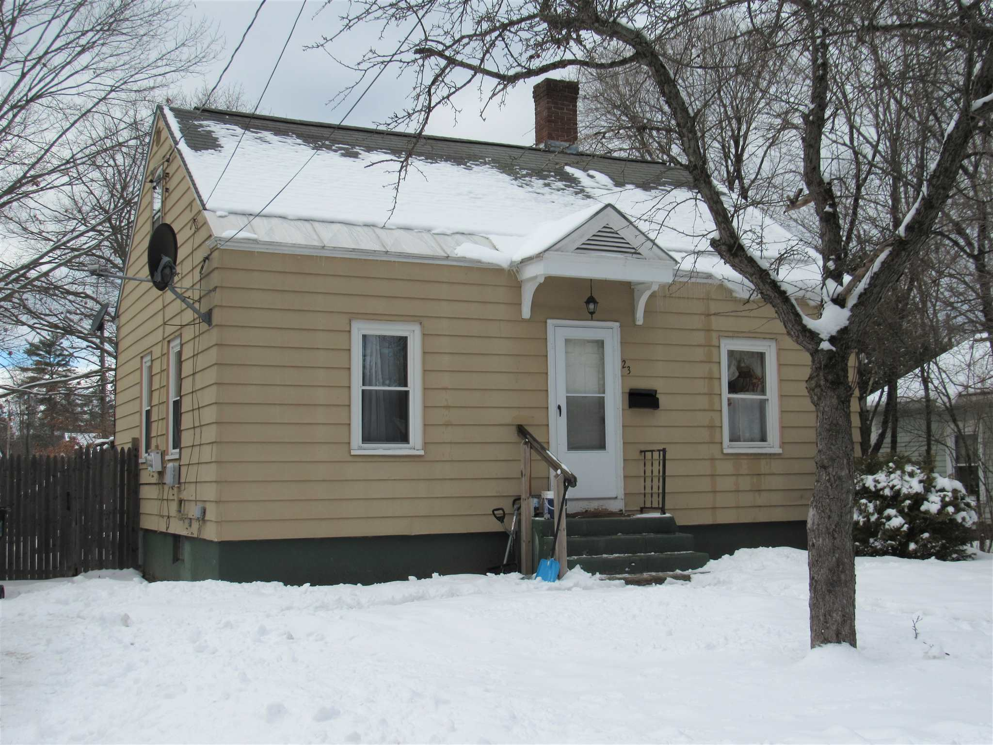 Claremont NH 03743Home for sale $List Price is $139,000