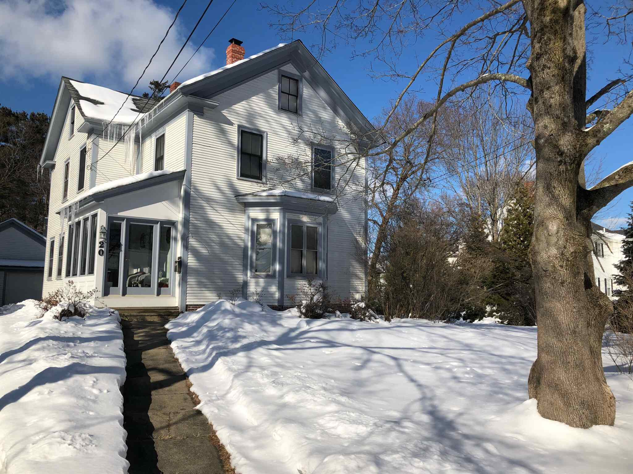 MLS 4847205: 20 Hall Place, Exeter NH