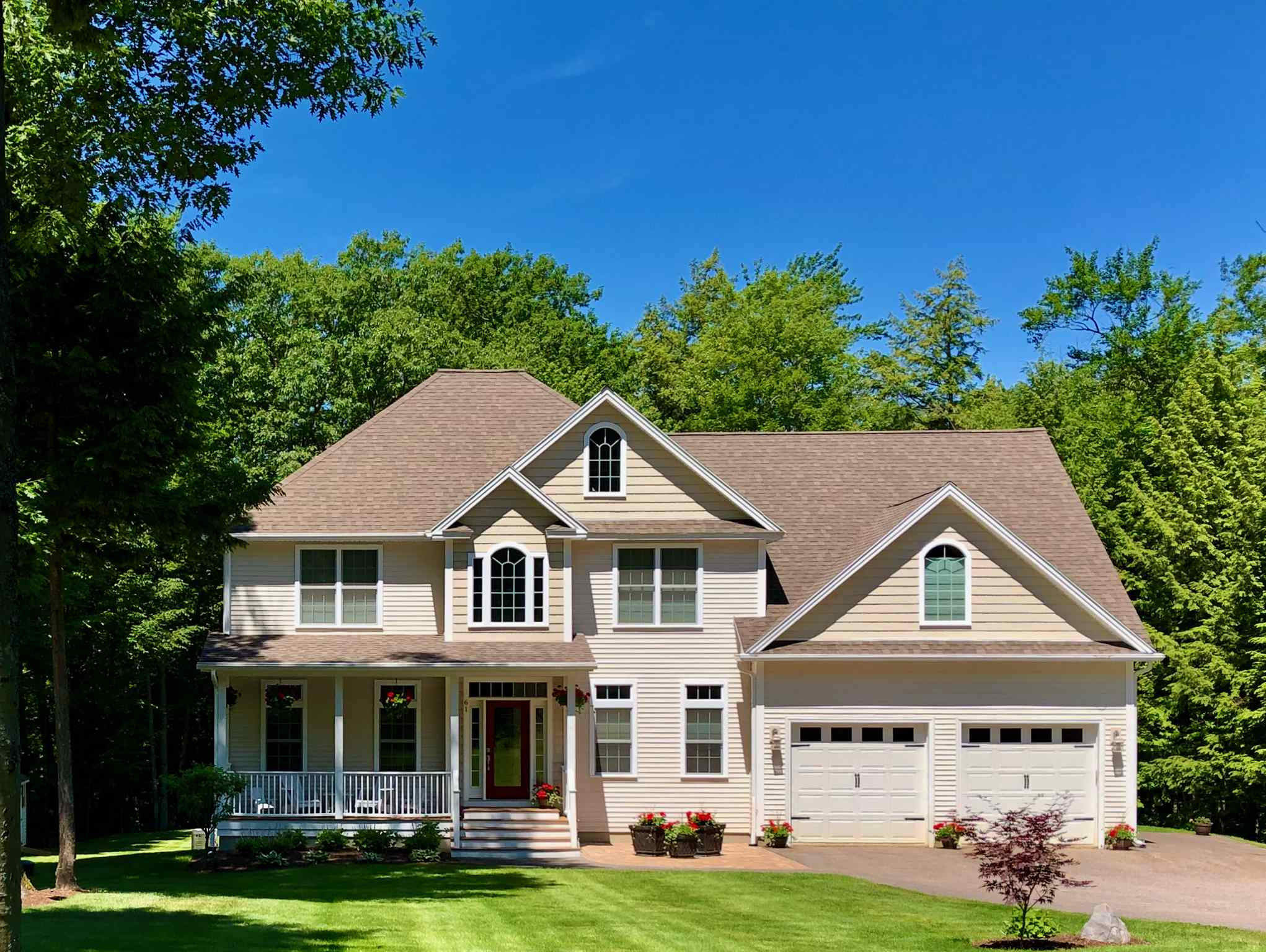 GILFORD NH Home for sale $$735,000 | $279 per sq.ft.