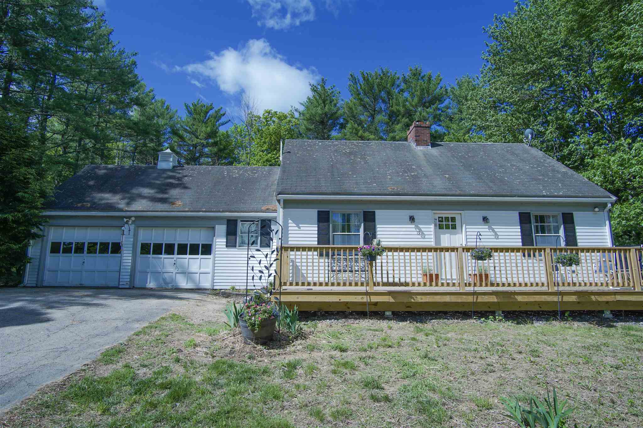 Photo of 15 Raymond Road Deerfield NH 03037