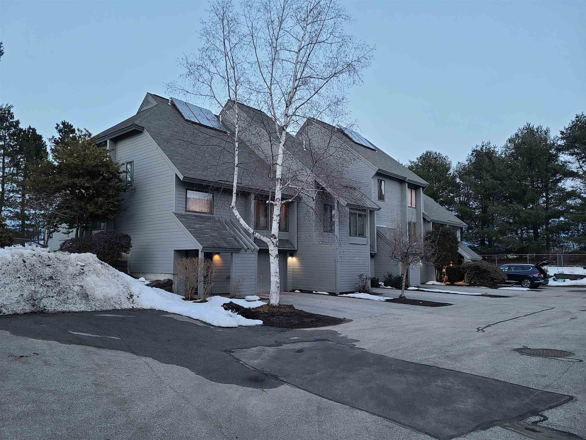 Photo of 5 Tsienneto Road Derry NH 03038