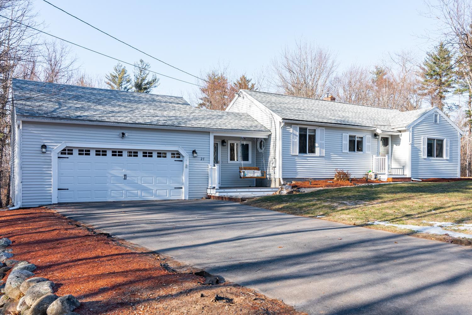 Photo of 27 Bartley Hill Road Londonderry NH 03053