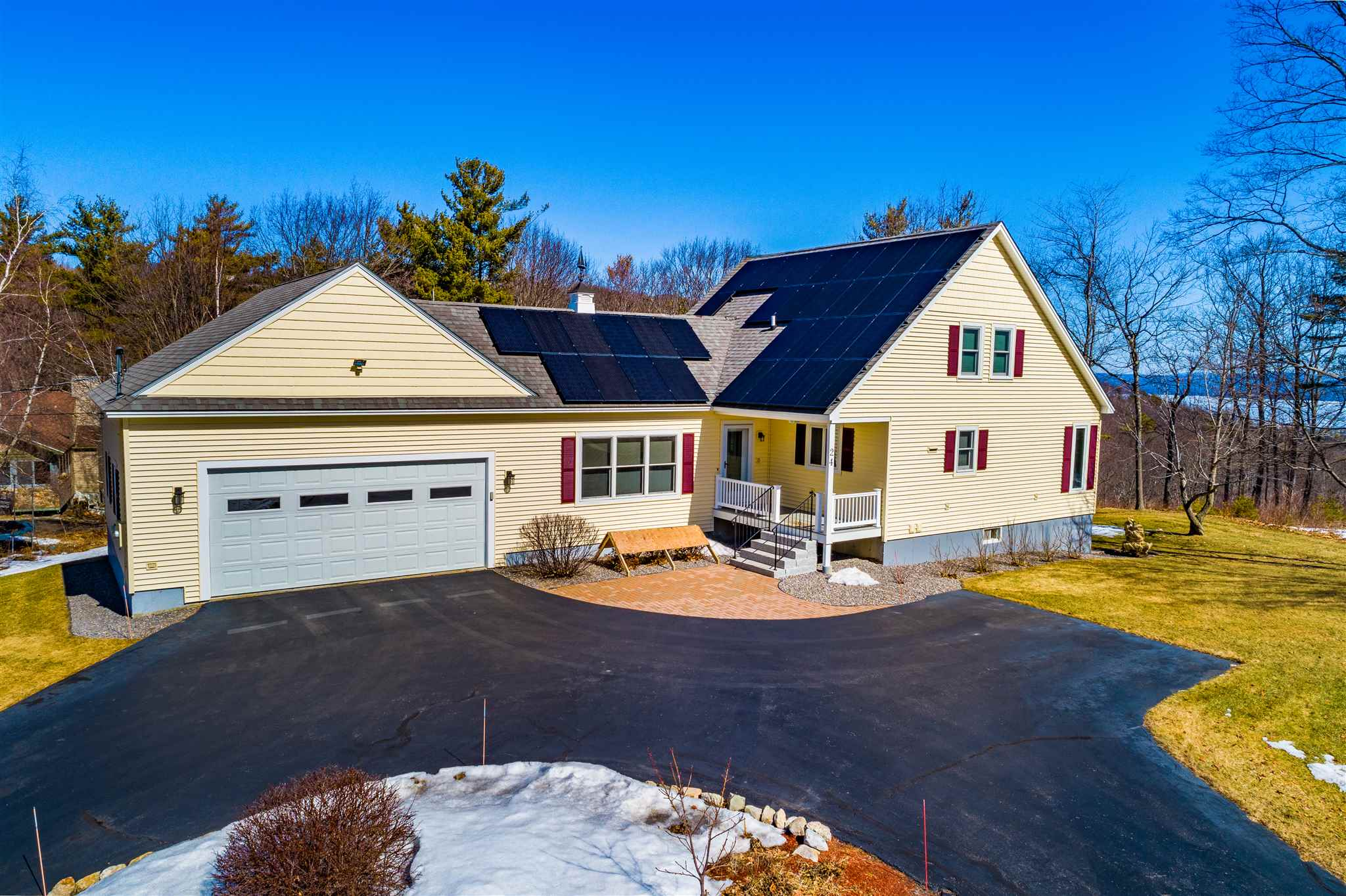 GILFORD NH Home for sale $$549,999 | $492 per sq.ft.