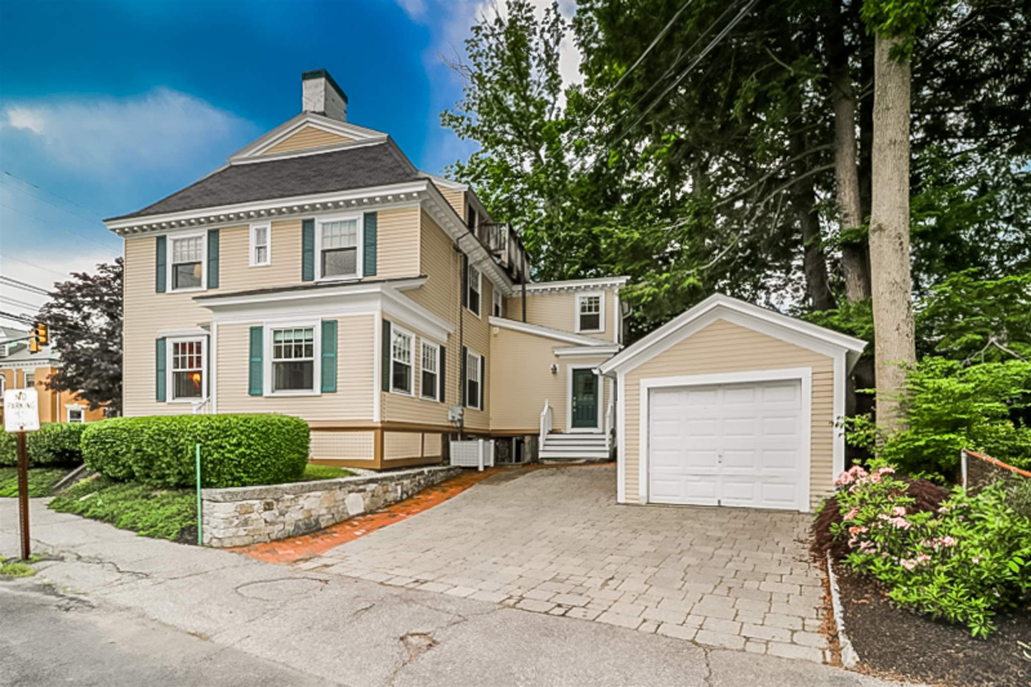 Photo of 338 Middle Street Portsmouth NH 03801