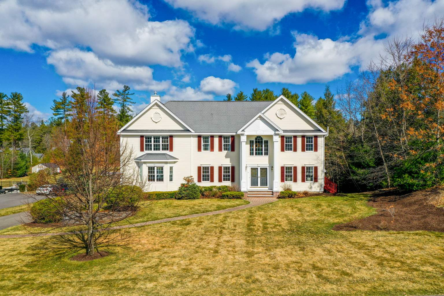 Photo of 5 Westview Drive Litchfield NH 03052