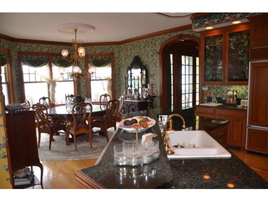 Kitchen/Dining Room 16836844