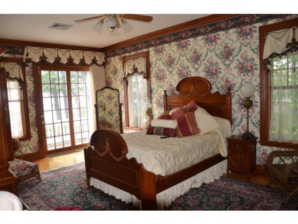 Master Bedroom 16836846
