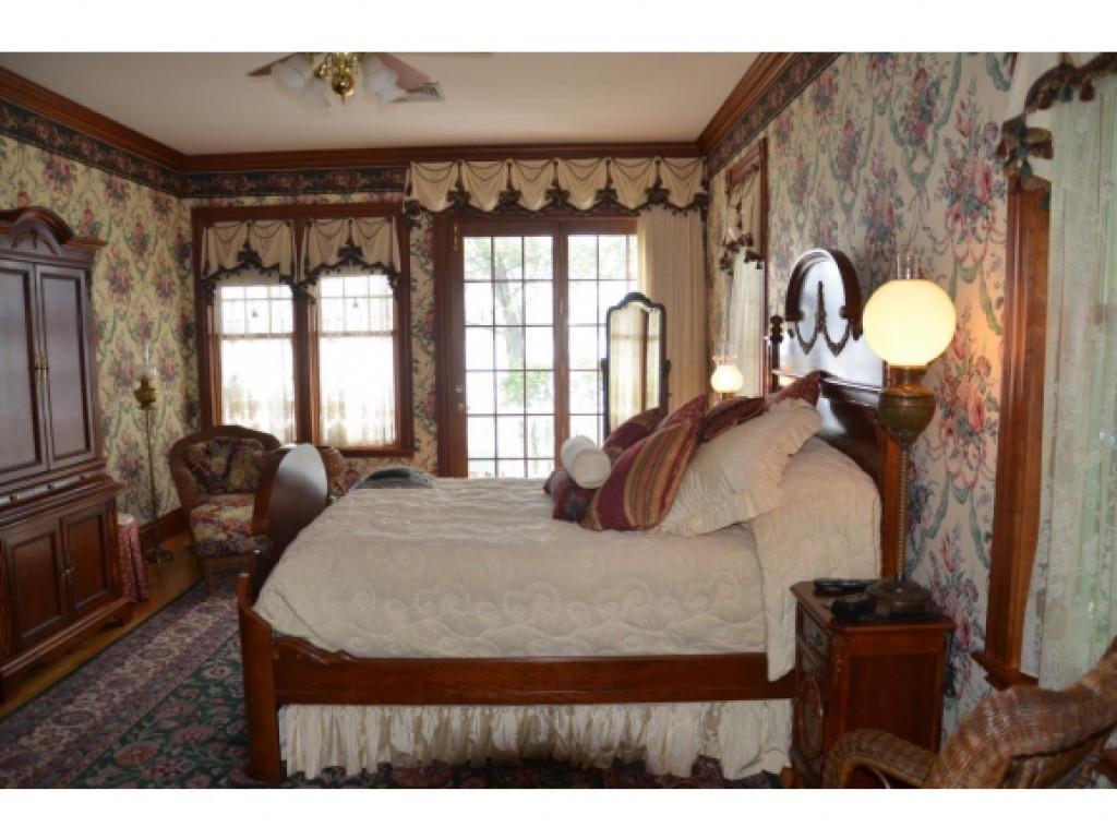 Master Bedroom 16836847
