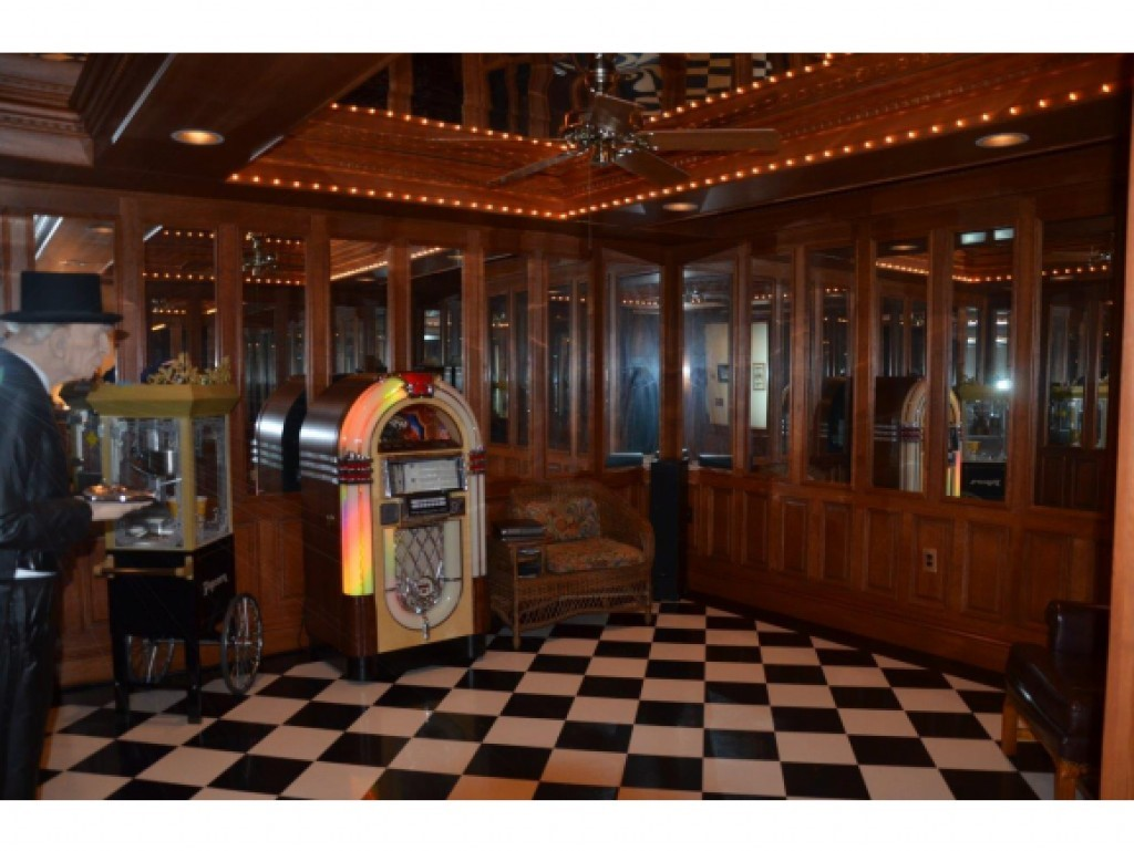 Dance Room 16836858
