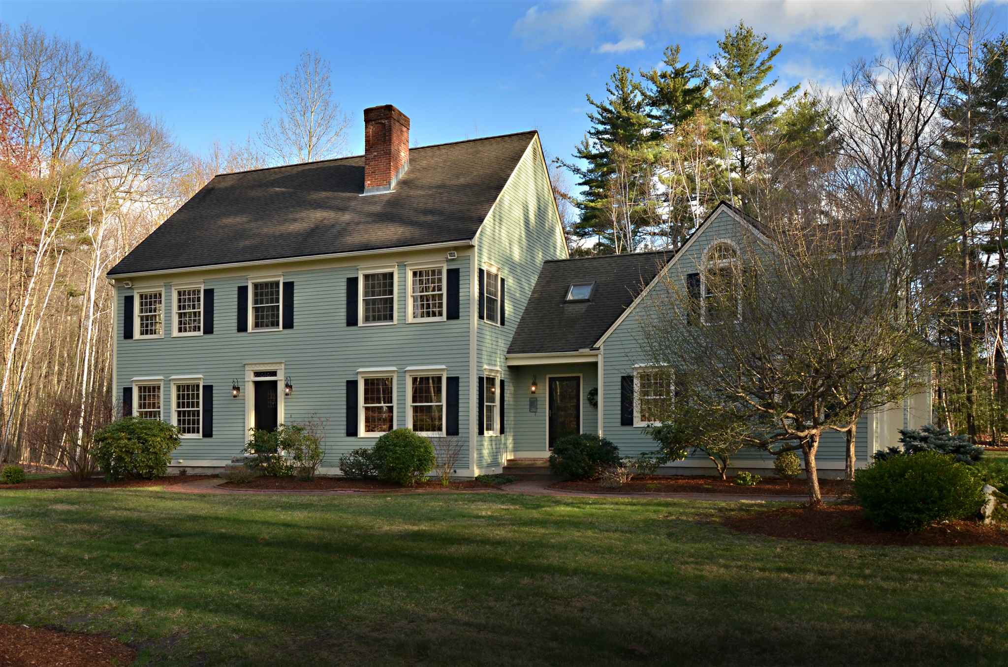 55 ORIOLE Drive, Bedford, NH 03110