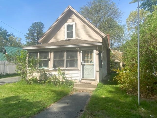 Photo of 43 Depot Road Epping NH 03042