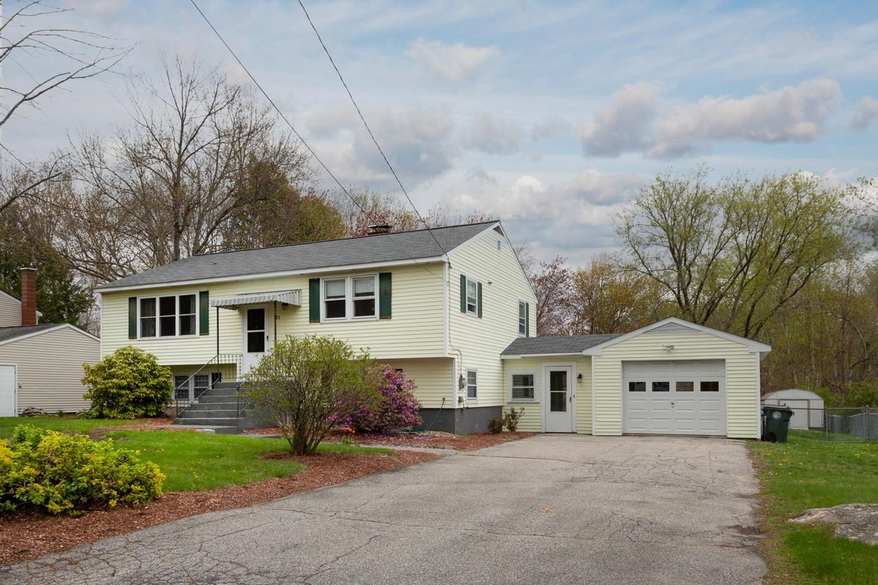 Photo of 51 Woodcrest Court Manchester, NH 03109