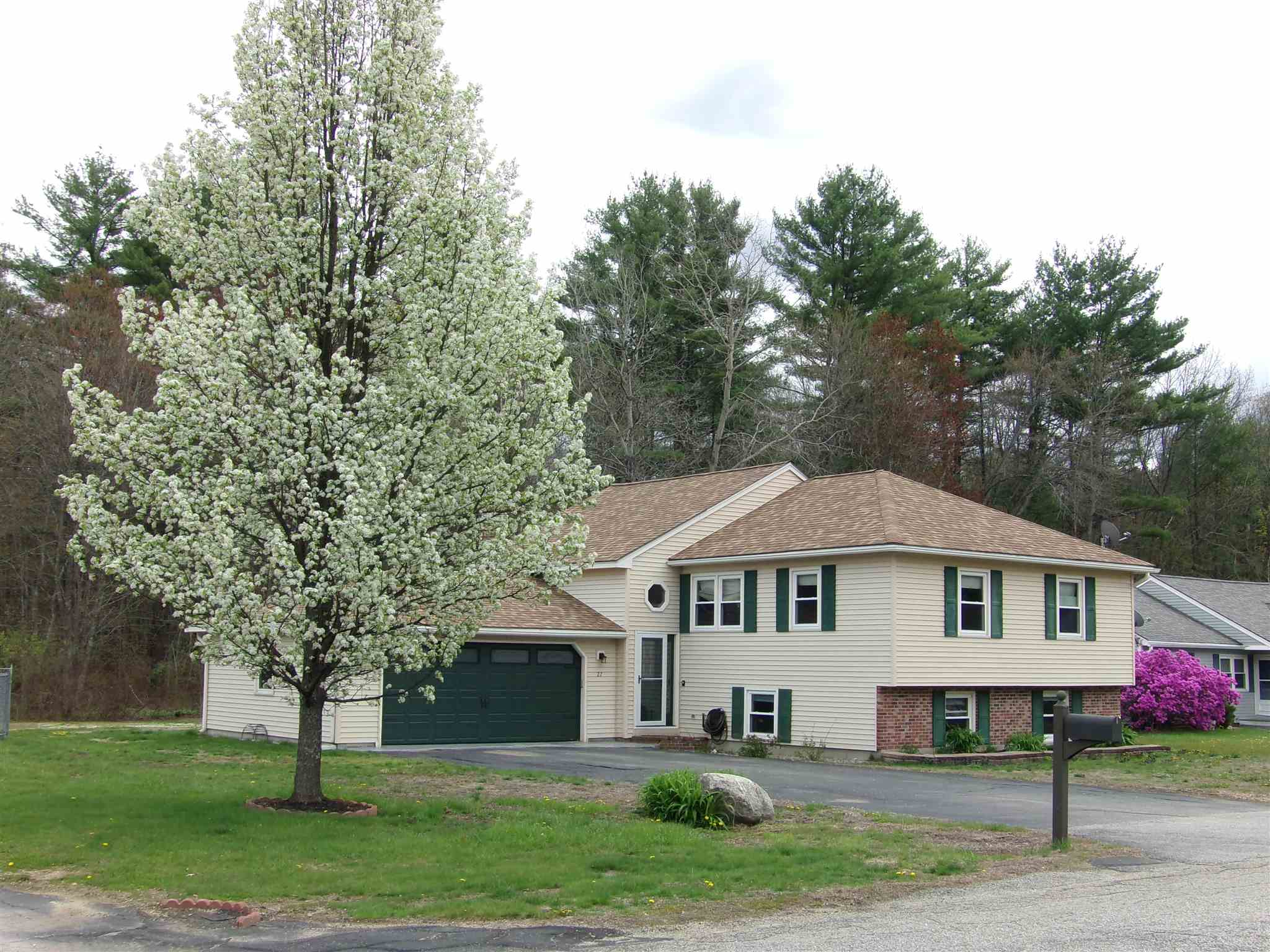 Photo of 27 Leigh Court Laconia NH 03246