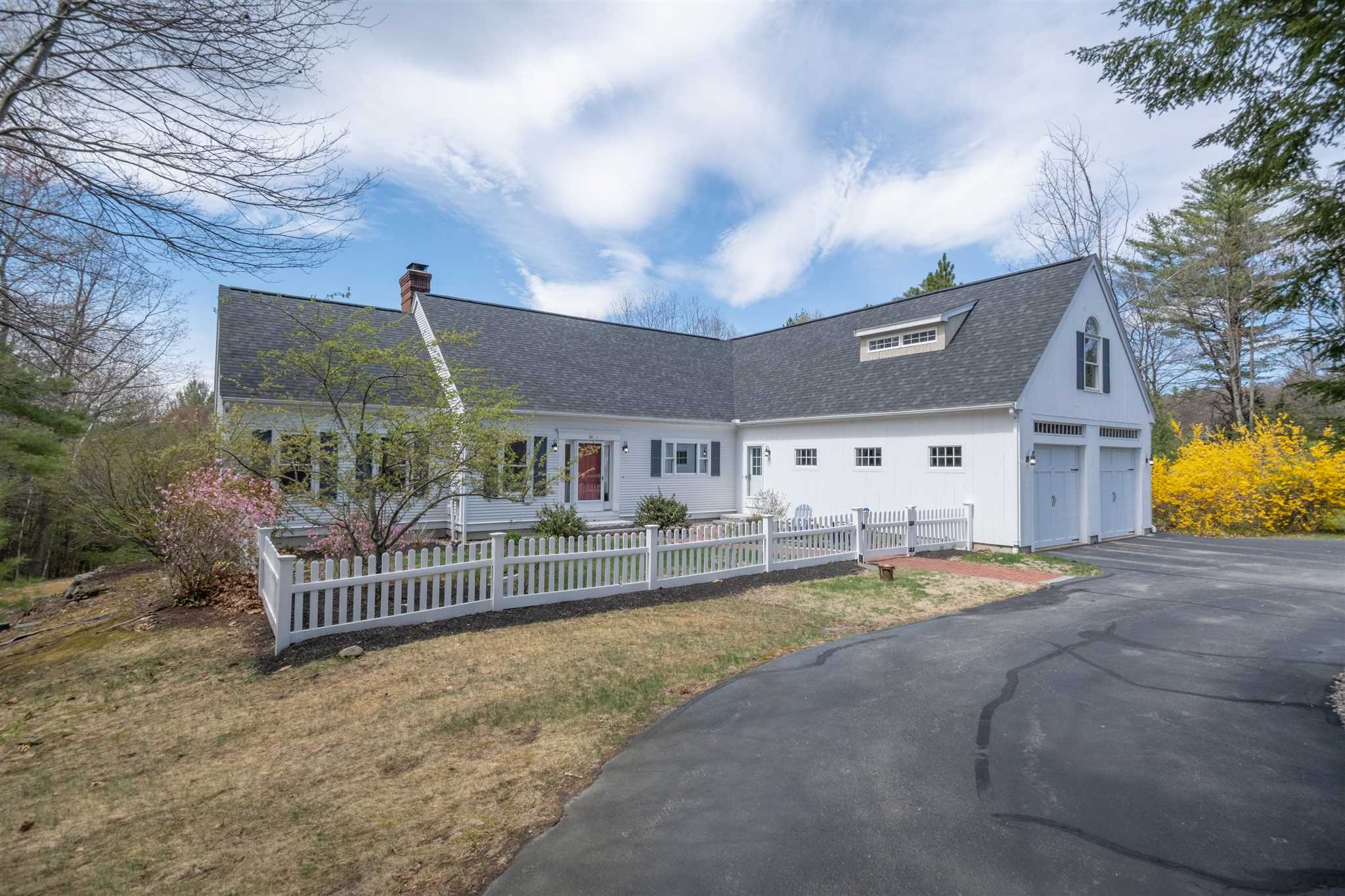 Photo of 36 COLONEL DANIELS Drive Bedford NH 03110