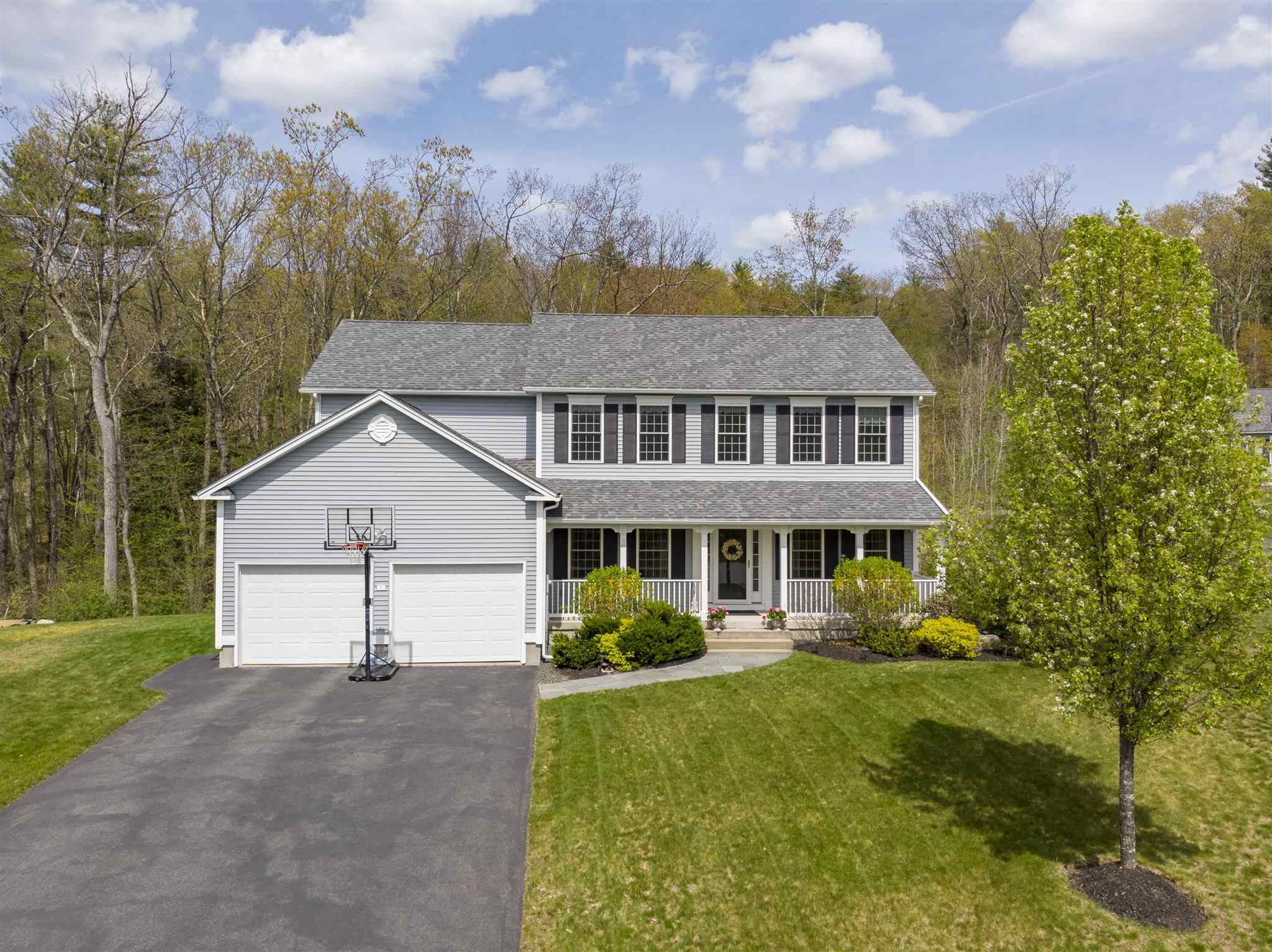 71 Grapevine Road, Bedford, NH 03110