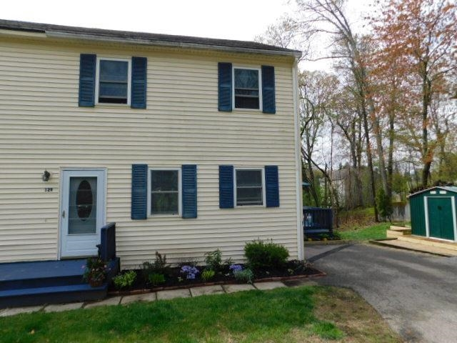 12 Strawberry Hill Road R, Derry, NH 03038