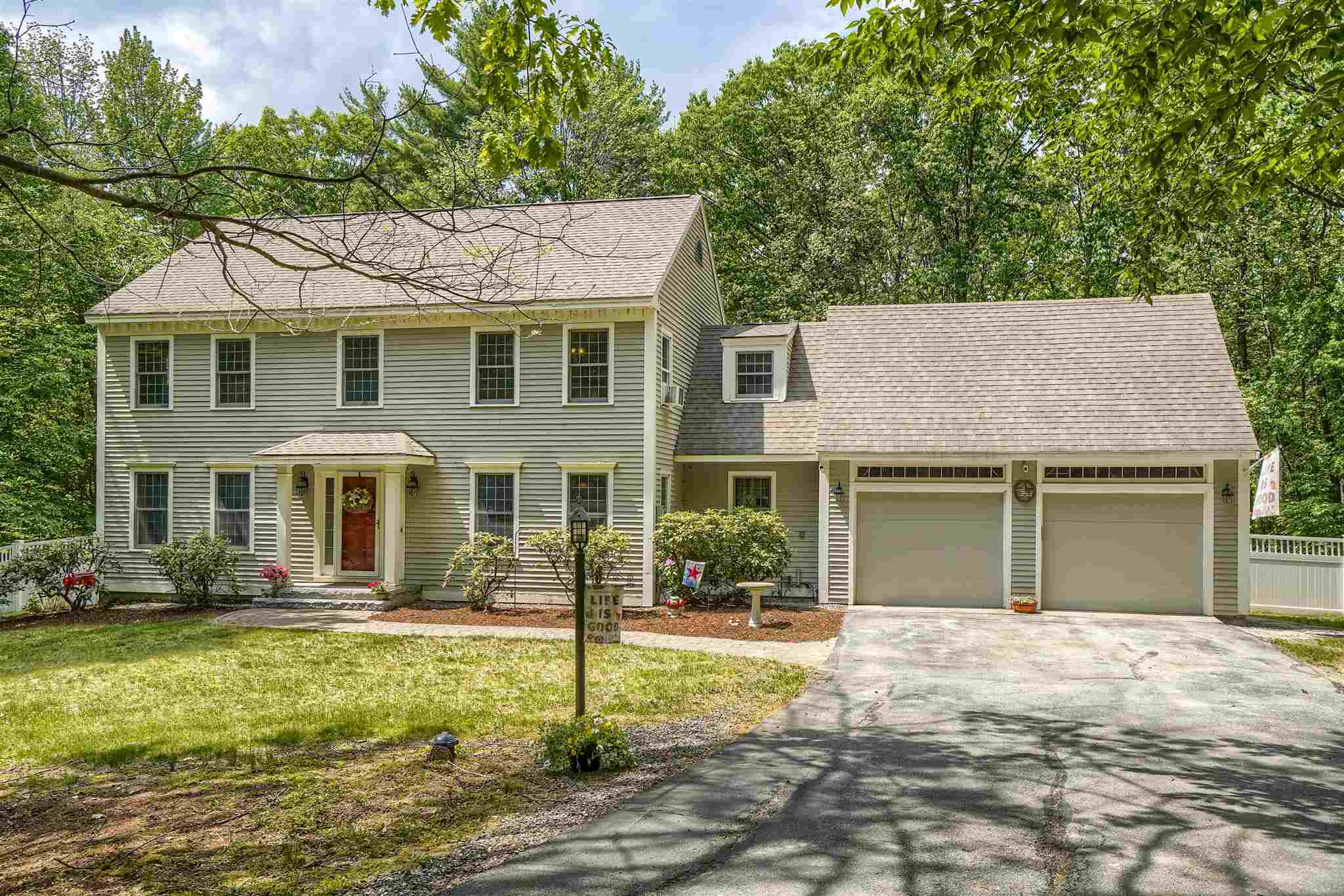 37 Oriole Drive, Bedford, NH 03110