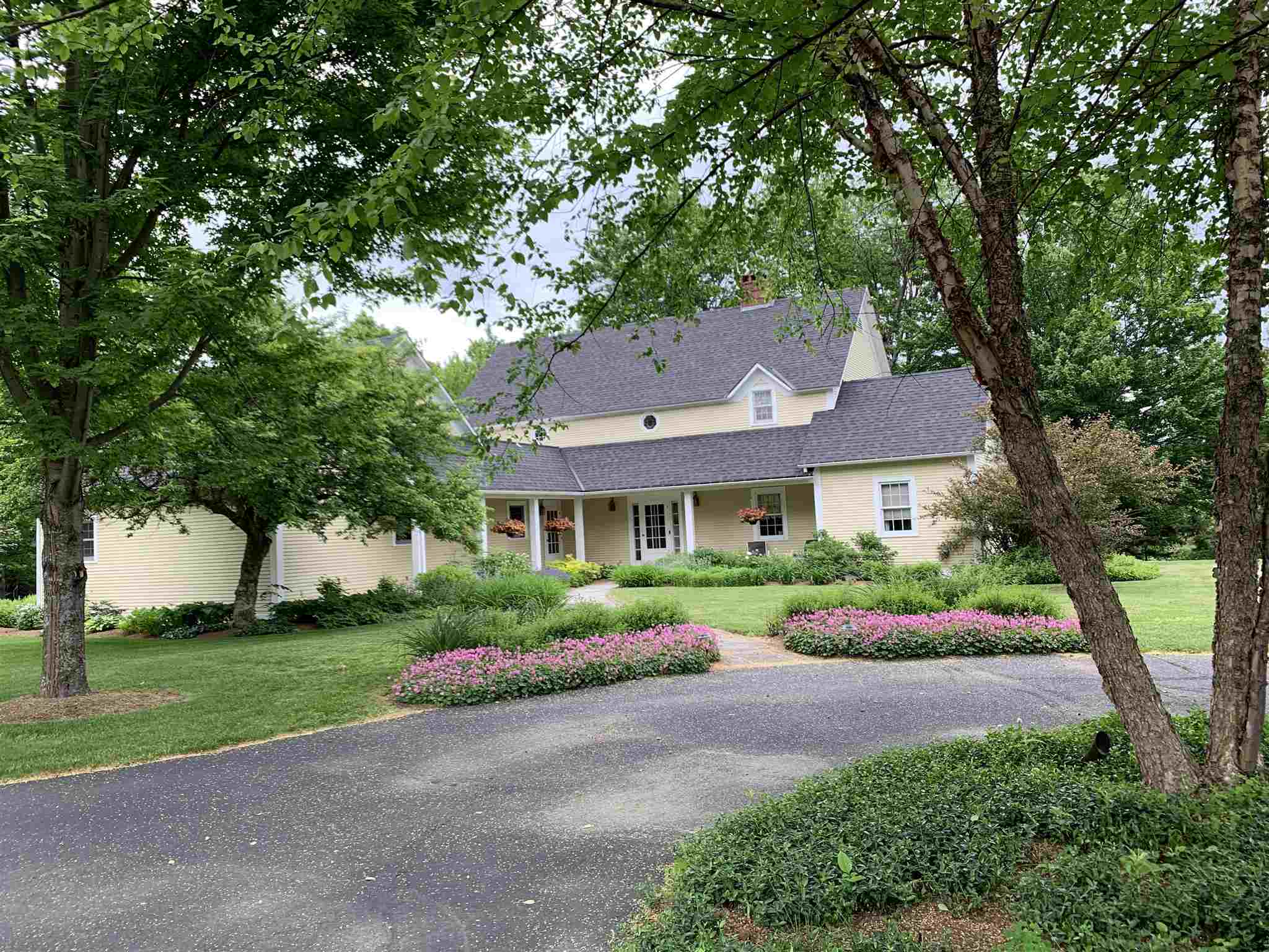 682 old carriage Road