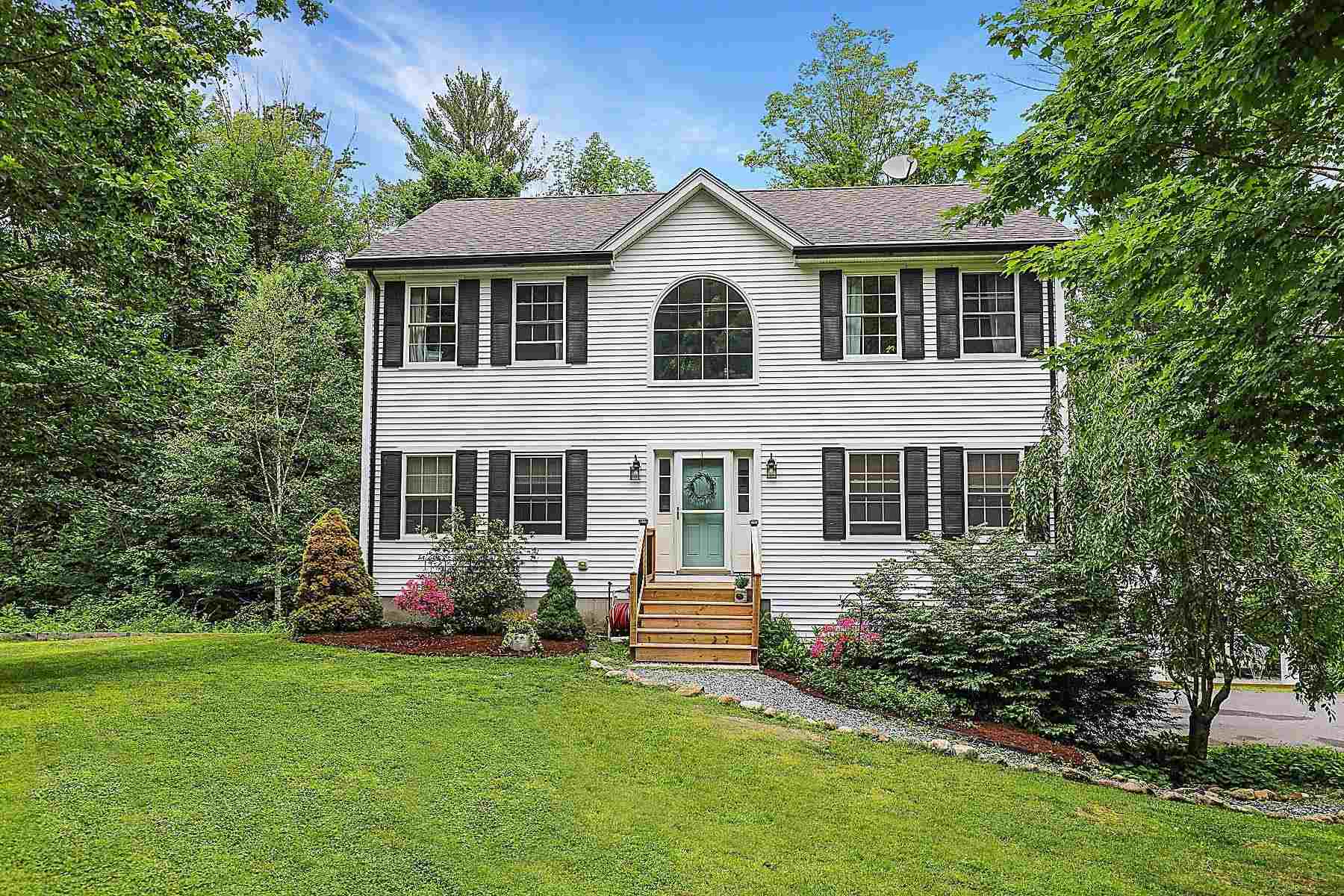 Newbury NH 03255Home for sale $List Price is $429,000