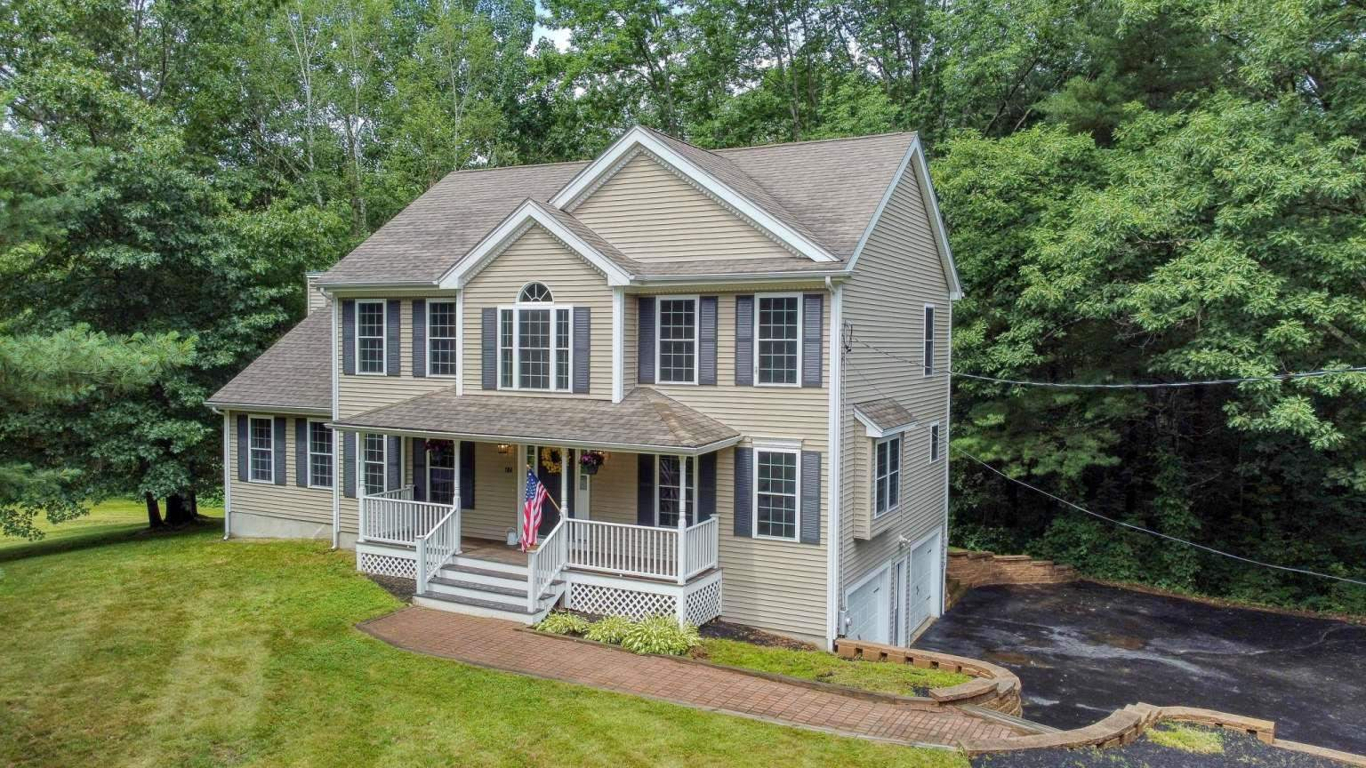 104 Old Chester Road, Derry, NH 03089