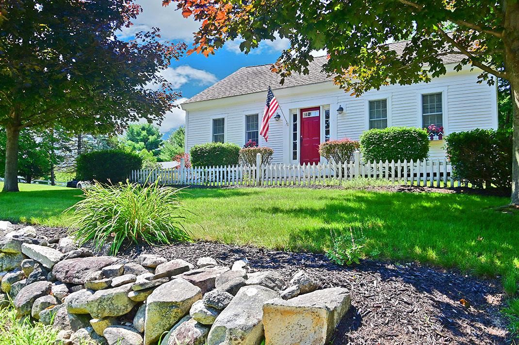 Photo of 645 Cherry Valley Road Gilford NH 03249